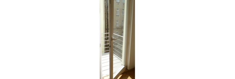 Okna, balkony